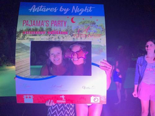 Pigiama Party - Antares by night